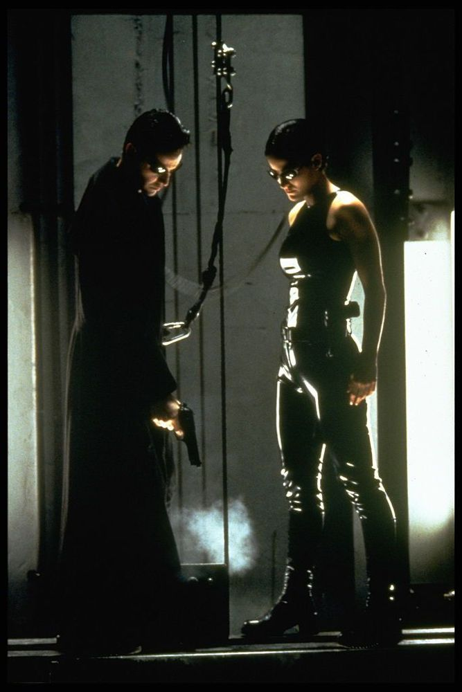 Carrie-Anne Moss and Keanu Reeves in the Matrix, 1999